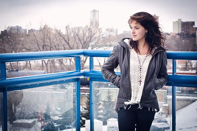 Ila Barker, Photo by Sara Bennet