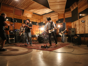 2015 AMP Sessions shoot at Beside Studios with Dee Erin Band